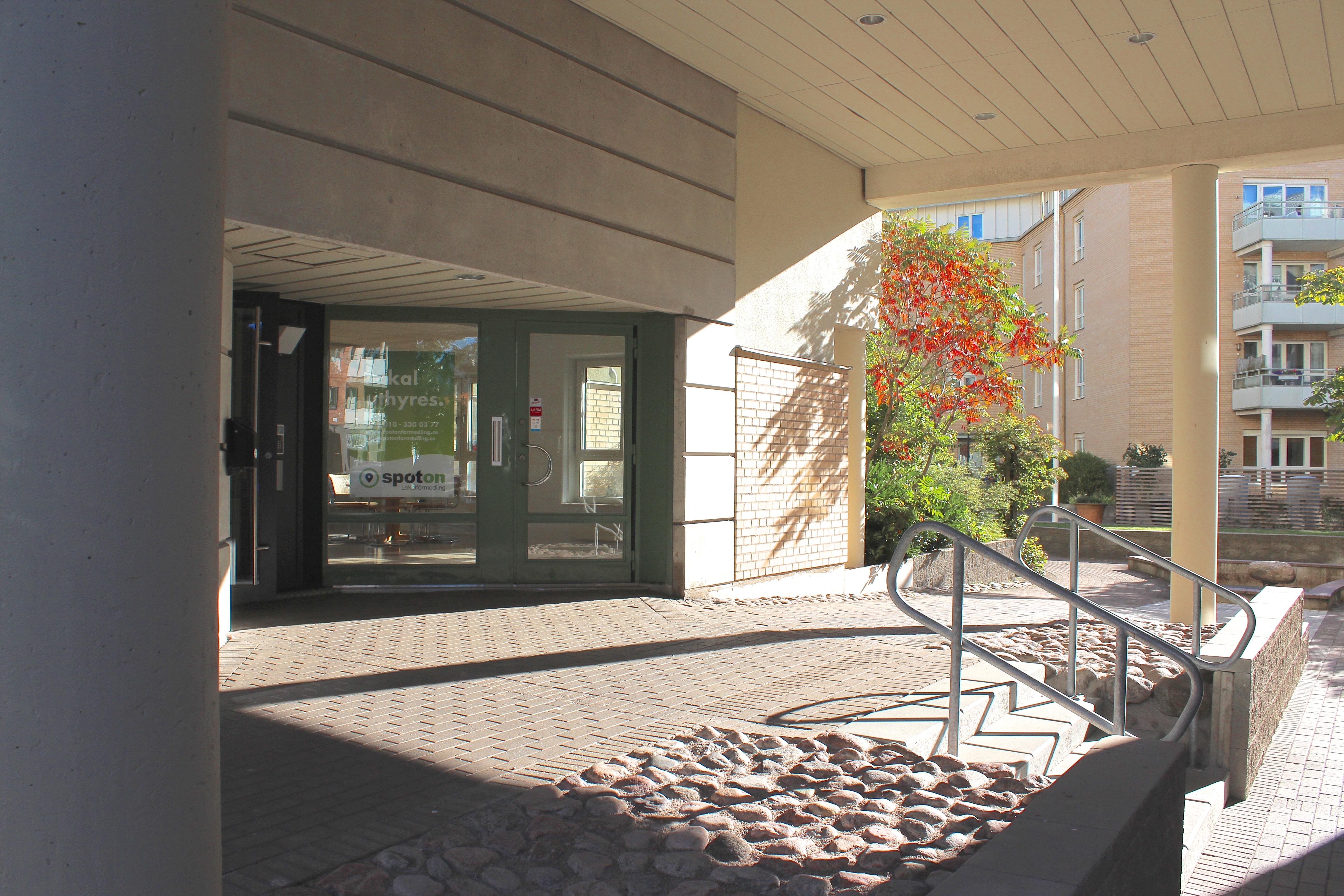 Litet kontor vid Gamletull med egen uteplats - Spot On Lokalförmedling